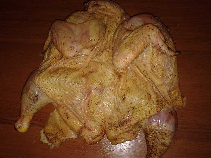 Запеченный цыпленок-бройлер с картофелем. Шаг 1.